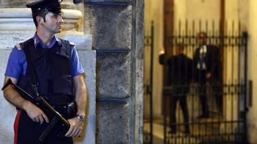 Un policier italien en faction. (Photo d'illustration)