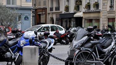 Motards et scootéristes devront certainement bientôt payer pour se garer dans Paris