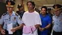 Ronaldinho avec la police paraguayenne