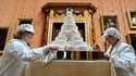 """La pièce montée le jour du mariage princier, le 29 avril 2011, dans la """"Galerie des tableaux"""" du palais de Buckingham."""