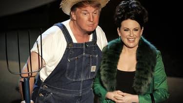 Donald Trump et Megan Mullaly aux Emmy Awards, le 18 septembre 2005 à Los Angeles.