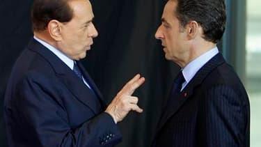 Silvio Berlusconi et Nicolas Sarkozy. La France signera ce vendredi une série d'accords avec l'Italie dans le domaine du nucléaire, avec l'espoir de participer activement à la relance de cette énergie dans la Péninsule. Le sommet annuel des deux pays se r