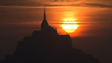 Le Mont Saint-Michel accueille chaque année environ 2,5 millions de touristes.