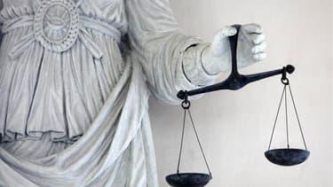 Le frère Pierre-Etienne Albert, accusé d'agressions sexuelles contre des enfants de sa communauté religieuse, les Béatitudes, a été condamné jeudi à cinq de prison par le tribunal correctionnel de Rodez (Aveyron). /Photo d'archives/REUTERS/Stéphane Mahé