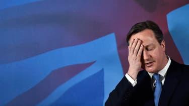 """David Cameron s'est dit """"coqué"""" par les attaques survenues à Paris."""