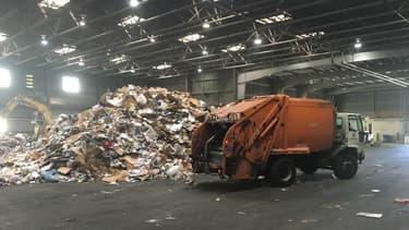 La Chine, l'an dernier, a ainsi acheté plus de la moitié des déchets recyclables exportés par les Etats-Unis.