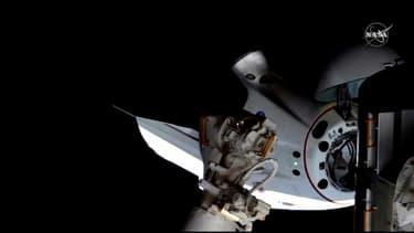L'amarrage de la capsule Crew Dragon - Image d'illustration