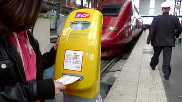 Mieux vaut avoir son billet avant de monter dans le train car à partir de mars le surcoût appliqué aux tickets achetés à bord pourra atteindre 15 euros.