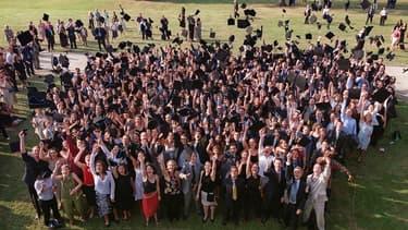 Des étudiants d'HEC lors de leur remise de diplôme.