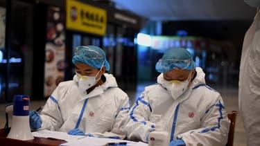 La Chine ferme temporairement ses frontières aux étrangers afin d'éviter un retour du coronavirus sur son sol