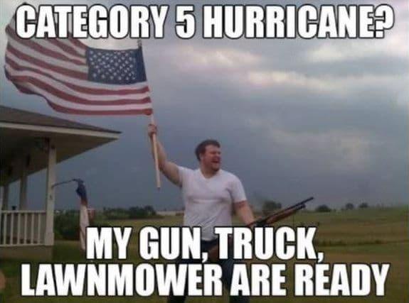 """Un post parodique sur le groupe Facebook """"Tirer sur l'ouragan Irma"""""""