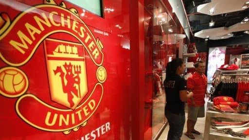 Manchester United est maintenant valorisé à 3,3 milliards de dollars, selon le magazine Forbes.