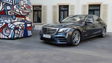 La nouvelle Classe S, œuvre d'art moderne, tout juste restylée par Mercedes.