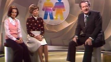 Pierre Bellemare animant La tête et les jambes, en 1975.