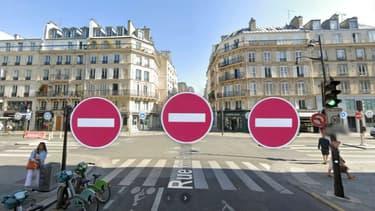 A Paris, les quatre voies d'un carrefour sont en sens interdit