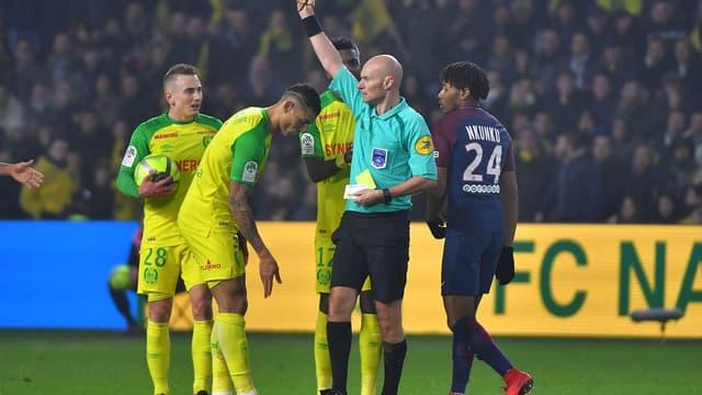 Chapron a sorti le dernier carton rouge de sa carrière à Nantes