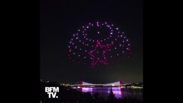 En Turquie, un spectacle de drones célèbre l'échec du coup d'État de 2016