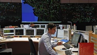 Salle de contrôle de la consommation d'électricité de Réseau de transport d'électricité (RTE), à La Chapelle sur Erdre, près de Nantes. Le record de consommation d'électricité en France a été battu mardi à plus de 100.000 mégawatts (MW), en raison du froi