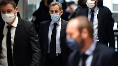L'ancien président Nicolas Sarkozy arrive au Palais de Justice de Paris où se tient son procès pour corruption le 8 décembre 2020