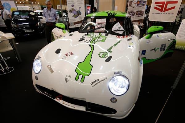 L'e-Hemera, une voiture électrique créée par 80 jeunes dont des étudiants de l'école des Mines d'Alès.