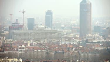 Lyon pendant un épisode de pollution (illustration).