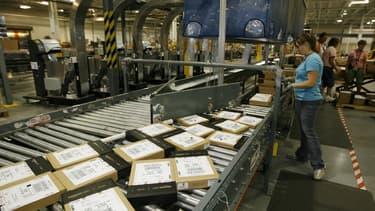 Préparation de commandes dans un entrepôt Amazon aux Etats-Unis