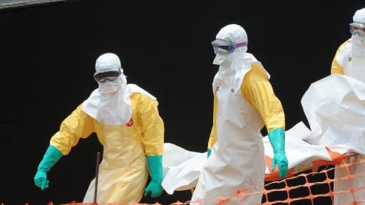 Le bilan de l'épidémie de fièvre Ebola ne cesse de s'aggraver.