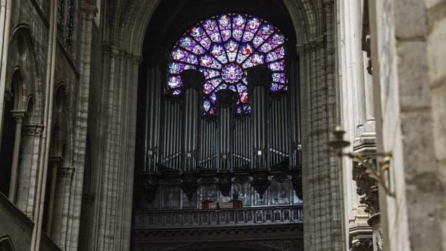Photo de la partie non-endommagée de l'orgue de Notre-Dame-de Paris, le 16 avril 2019.