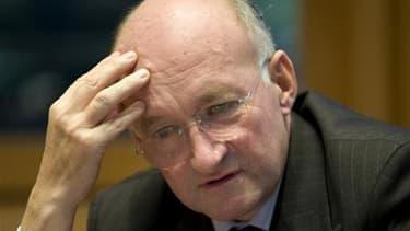 L'ancien PDG de la Société générale Daniel Bouton a refusé mardi de venir témoigner au procès de son ex-trader Jérôme Kerviel, tenu pour responsable d'une perte record de 4,9 milliards d'euros en 2008. /Photo d'archives//REUTERS/Philippe Wojazer