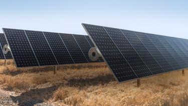 Apple annonce l'extension de son programme de protection de forêts en Chine et mise sur les énergies renouvelables à l'image des panneaux solaires qui alimentent désormais ses data centers.