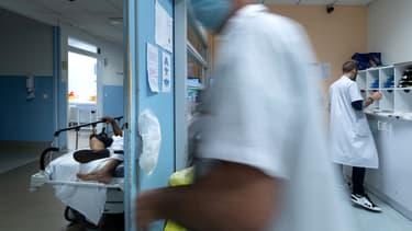 Personnel soignant dans un hôpital de Saint-Denis, le 17 juillet 2020