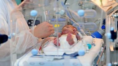 Un bébé prématuré - Image d'illustration