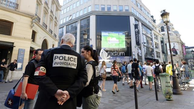 C'est ici, rue Caumartin à Paris, que Clément Méric a été mortellement agressé mercredi soir.