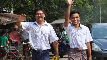 Wa Lone et Kyaw Soe Oo après leur libération à Yangon en Birmanie le 7 mai 2019.