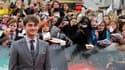 """Daniel Radcliffe, interprète d'Harry Potter au cinéma, arrive à Trafalgar Square, à Londres, pour l'avant-première du dernier film de la série, """"Harry Potter et les reliques de la mort - Partie 2"""", qui a attiré des milliers de fans dans la capitale britan"""