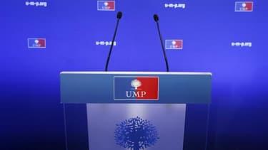 Les adhérents de l'UMP ont enterré ce week-end l'idée d'une nouvelle élection à la présidence du parti, sept mois après le pugilat Copé-Fillon qui a ébranlé la principale formation politique de la droite française. /Photo d'archives/REUTERS/Benoît Tessier