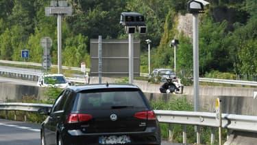 Malgré le débat sur le passage à 80km/h et les dégradations de radars, 2018 s'impose comme une année historique sur le plan de la sécurité routière.