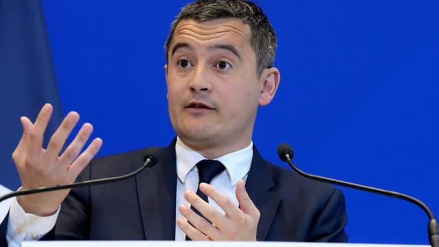 """""""si vous déclarez que vous n'êtes pas résident fiscal en France et que vous postez à longueur d'année sur Instagram des photos prises en France, n'y a-t-il pas un problème?"""" s'insurge Gérald Darmanin, dans Le Figaro."""