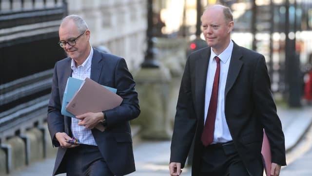 Le conseiller scientifique en chef du gouvernement Patrick Vallance et le conseiller médical en chef, Chris Whitty arrivent pour une réunion sur l'épidémie de coronavirus COVID-19, au numéro 10 Downing Street, le 12 mars 2020.