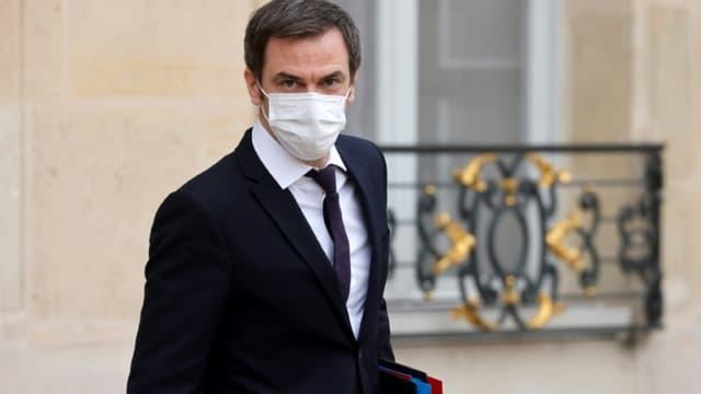 Le ministre de la Santé Olivier Véran quitte le palais de l'Elysée, le 20 janvier 2021