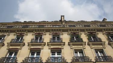 Dans Paris intra-muros, il faut compter 8.300 euros du mètre carré.