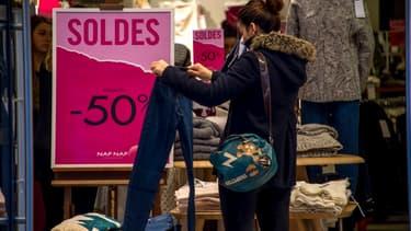 Les professionnels de l'habillement veulent revoir le dispositif des soldes