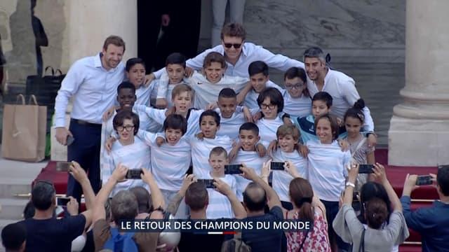 1500 jeunes étaient conviés ce lundi à l'Élysée pour rencontrer les Bleus