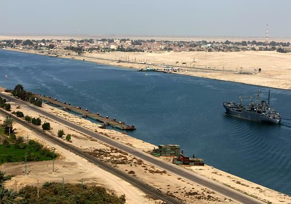 Le canal de Suez, en Egypte.