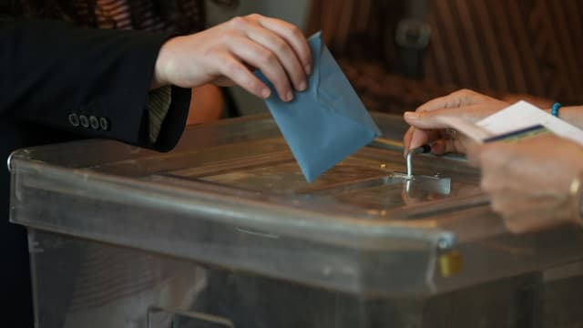 79% des moins de 35 ans ne se sont pas rendus aux urnes pour le second tour des élections régionales et départementales.