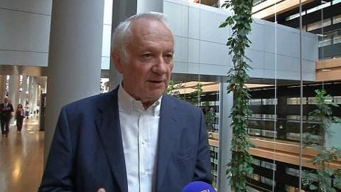 """Crise grecque: """"C'est une question de solidarité"""" plaide Jean-Marie Cavada"""