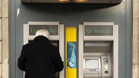 Les banques françaises, longtemps restées silencieuses, déplorent depuis deux jours l'appel d'Eric Cantona à vider en masse les comptes en banque, estimant que l'initiative de la star est dangereuse pour le système bancaire. L'ancien attaquant de Manchest