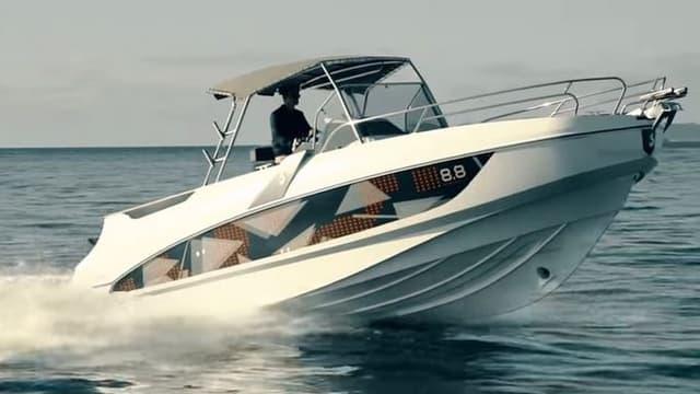 Le constructeur vendéen développe une offre d'accès illimité à ses bateaux à partir du port des Sables-d'Olonne.