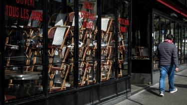 Un café-restaurant fermé, le 15 mars 2020 à Paris
