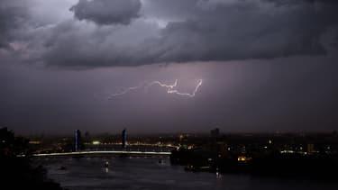 Un orage au-dessus de Bordeaux, le 8 juin 2017. (Photo d'illustration)